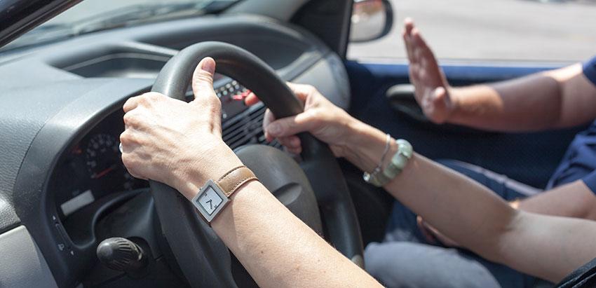 Skriv in dig på trafikskola